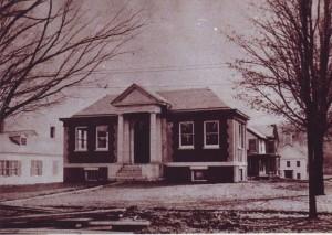 Pettee Memorial Library Building in 1906